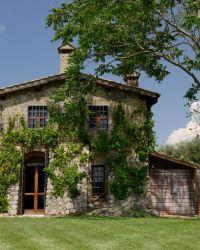 Tiberini 1 holiday villa with swimming pool Near Giardino